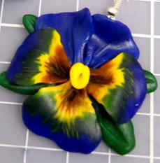 украшения из пластики, анютины глазки, цветы из полимерной глины, полимерная глина уроки для начинающих, цветы из пластика своими руками