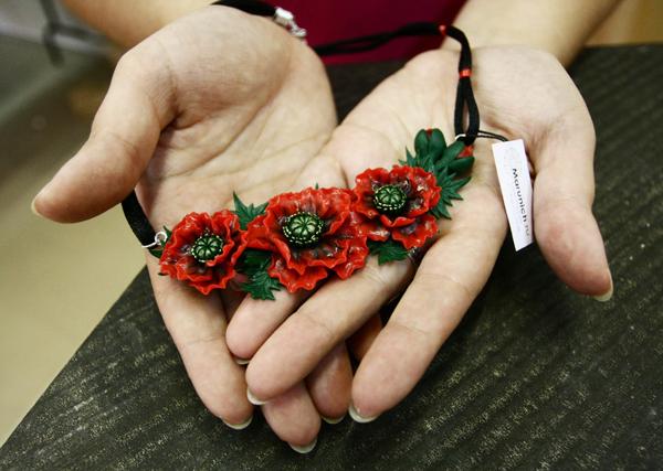 украшения с цветами, украшения из пластики, авторские украшения, цветы из полимерной глины, украшения из полимерной глины, цветы из полимерной глины